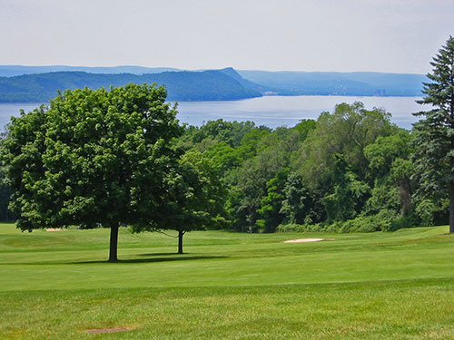 The view of the Hudson from the third tee, looking over 17.